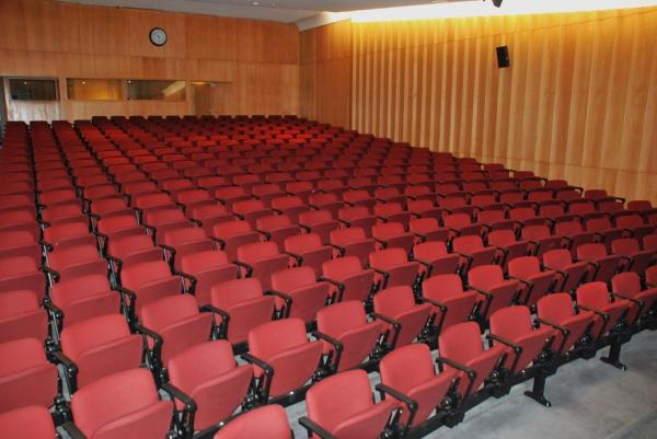 Universidade Fernando Pessoa - Teresa Reis | Laboratório de Fotografia da UFP